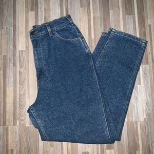 VTG Lee High Waisted Mom Jeans.